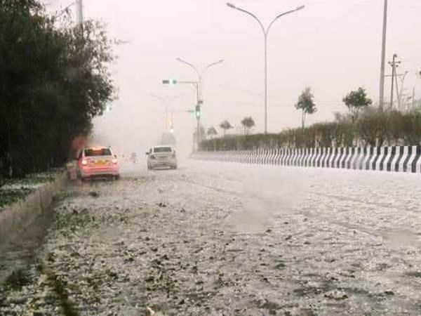 Weather information Heavy falls in Delhi