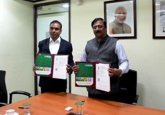 M C Dominic (Editor-in-chief Krishi Jagran Media Group) with K. U. Thankachen (Director Marketing, RCF)