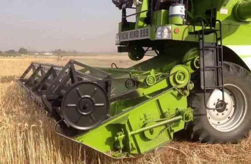 Automatic Combine Harvester