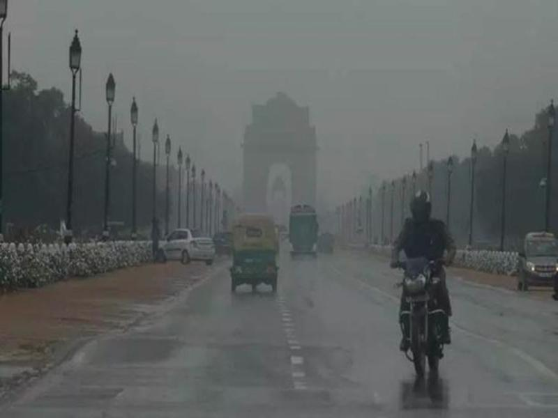 rain india gate